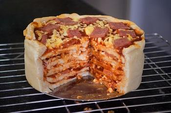 bake-a-pizza-cake-step-11
